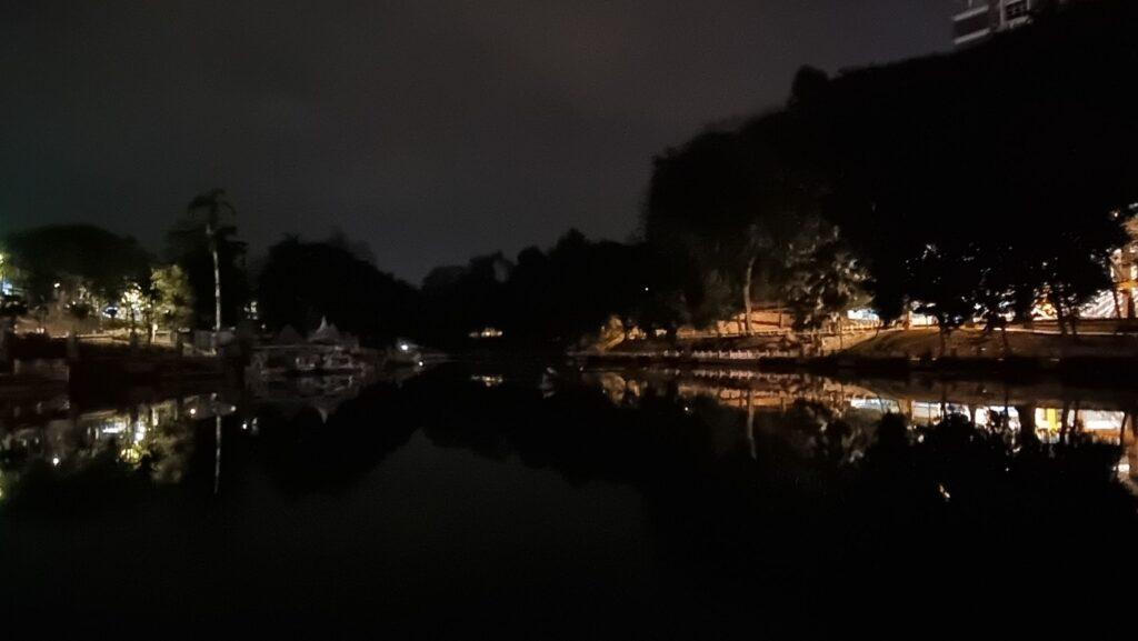 Samsung Galaxy S21 Ultra 5G review low light