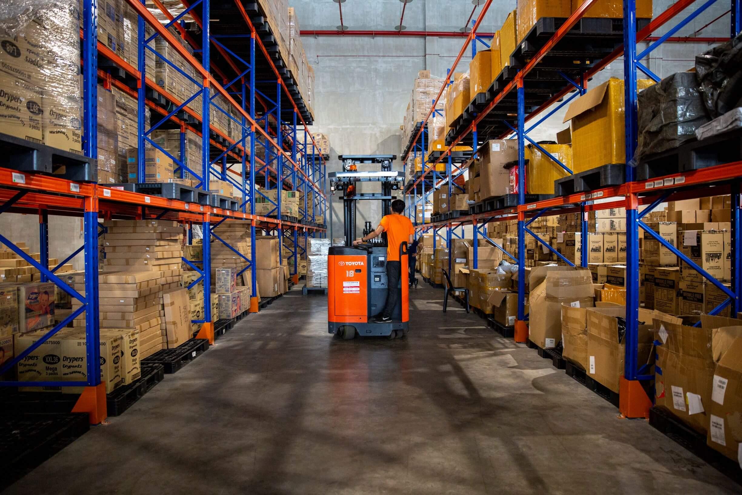 Shopee 3.3 Supermarket Sale hero warehouse
