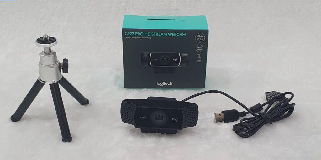 Logitech C922 Pro HD Stream Webcam Review box contents