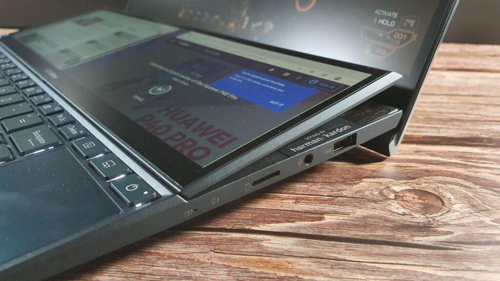 ASUS ZenBook Duo14 UX482 Review hinge