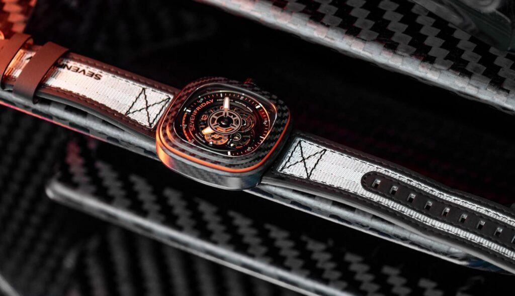 SevenFriday P3C/09 Orange Carbon box