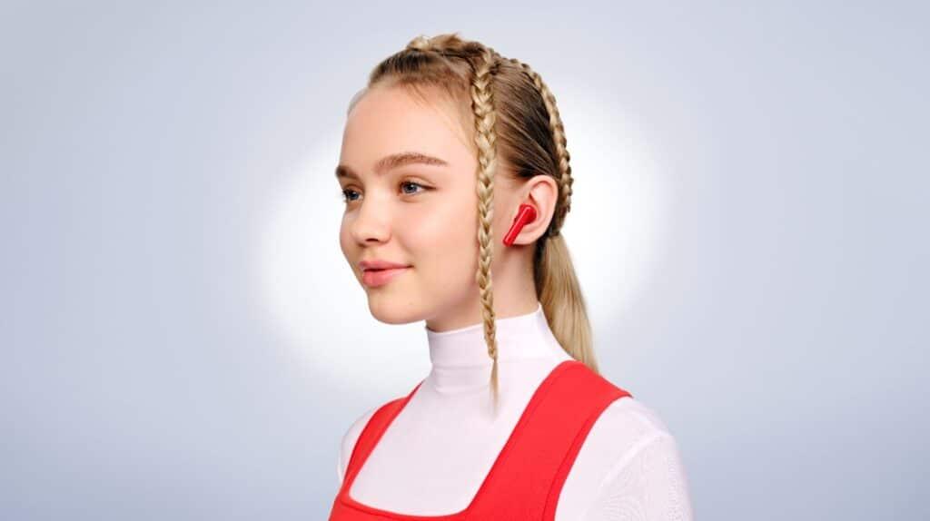Huawei FreeBuds 4i red girl
