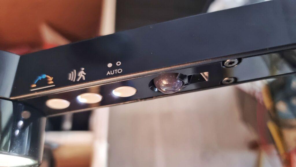 Dyson Lightcycle Morph sensors and light