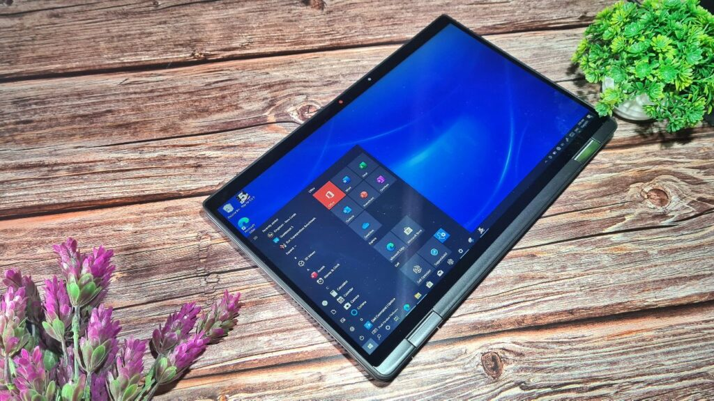 Dell Latitude 7320 2-in-1 Review  flat lay