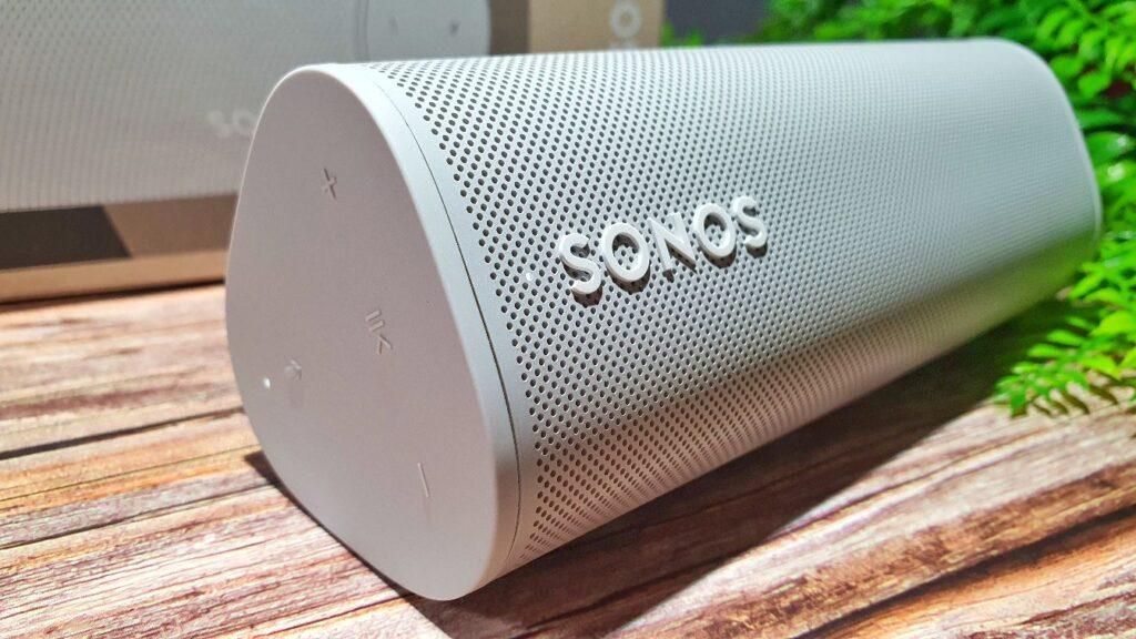 Sonos Roam Review speaker angled sign