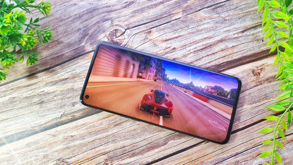 OPPO Find X3 Pro  display 1