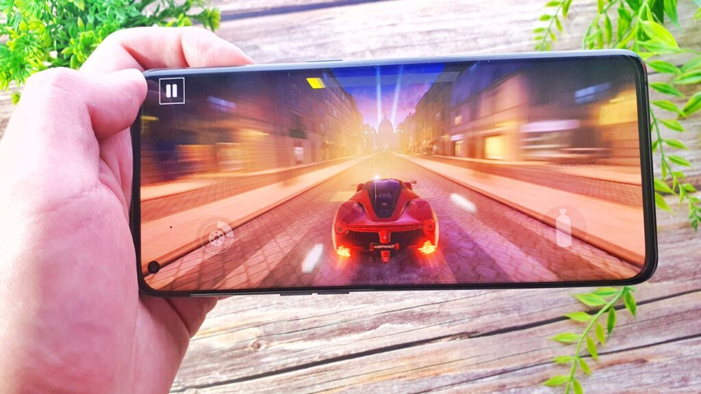 OPPO Find X3 Pro review display