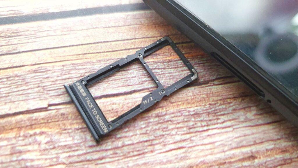 Xiaomi Redmi Note 10 5G review sim car tray