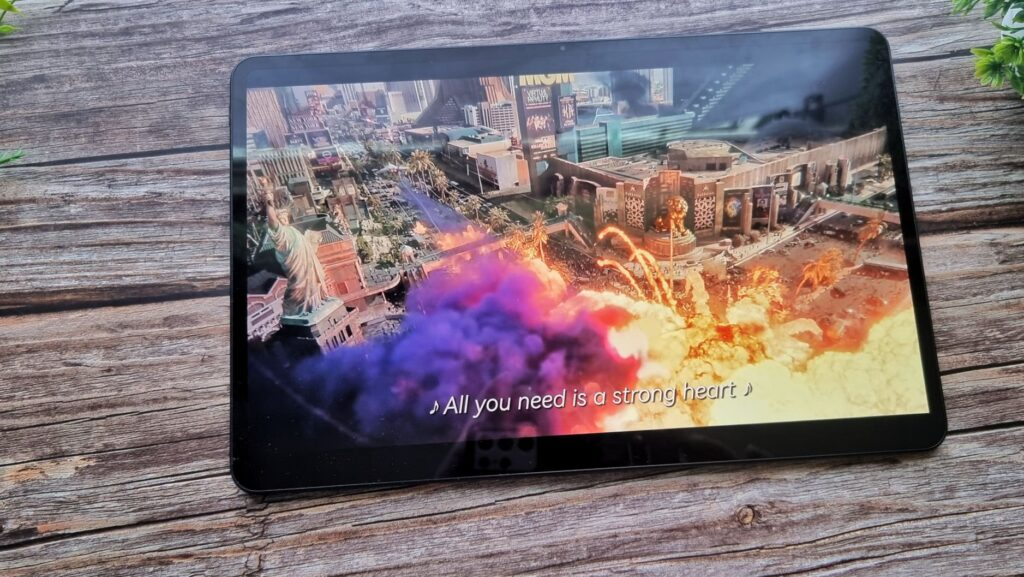 Huawei MatePad Pro 12 Unboxing colour display rendition