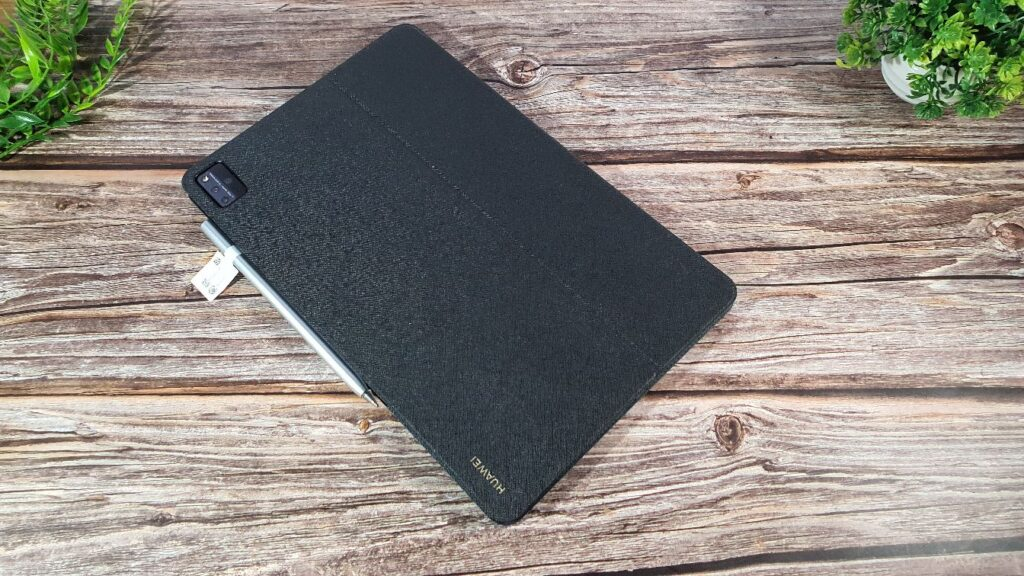 Huawei MatePad Pro 12.6 Review case and tablet