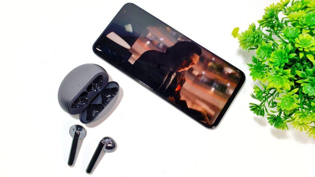 Huawei nova 8i Review  angled