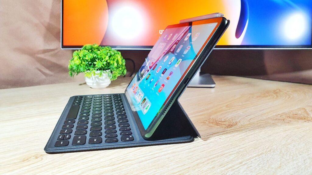 Huawei MatePad 11 review top angled side keyboard