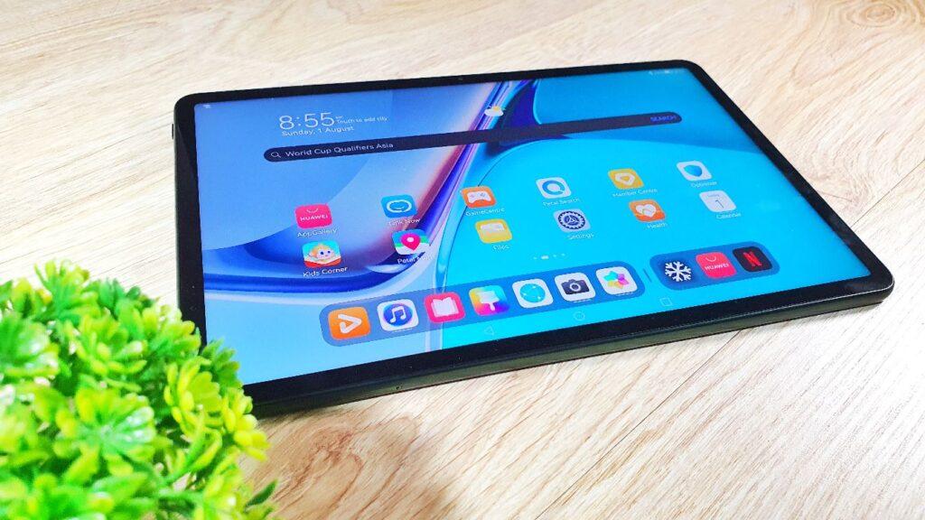 Huawei MatePad 11 review angled