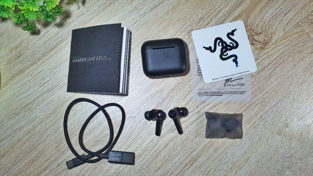 Razer Hammerhead True Wireless 2021 box contents