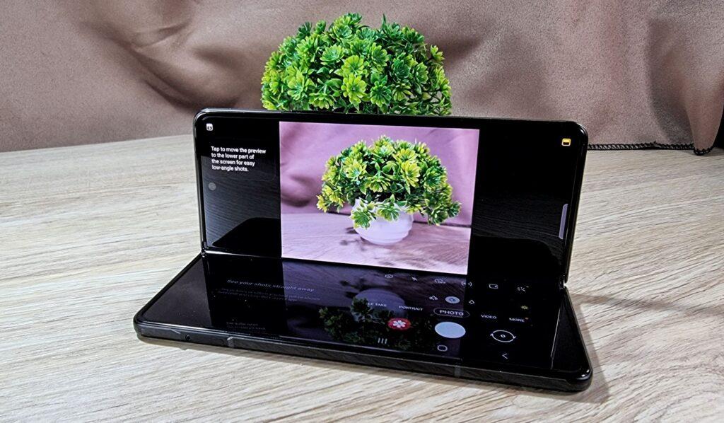 Samsung Galaxy Z Fold3 5G First Look  flex mode camera