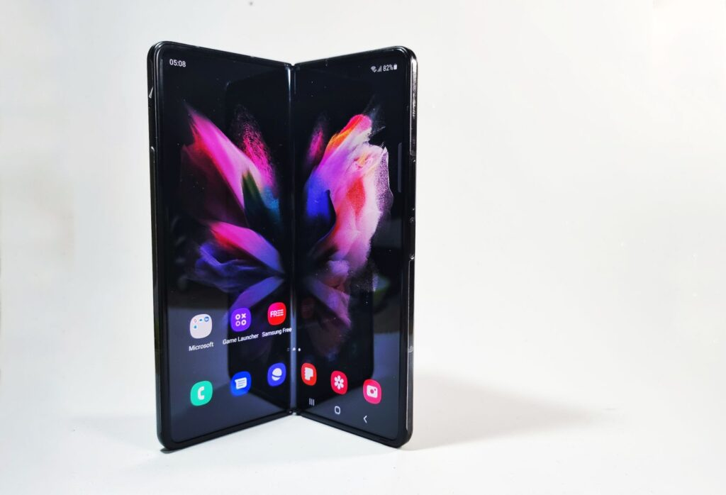 Samsung Galaxy Z Fold3 5G First Look  front