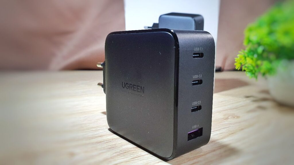 UGREEN 100W GaN Fast Charger Review charger front