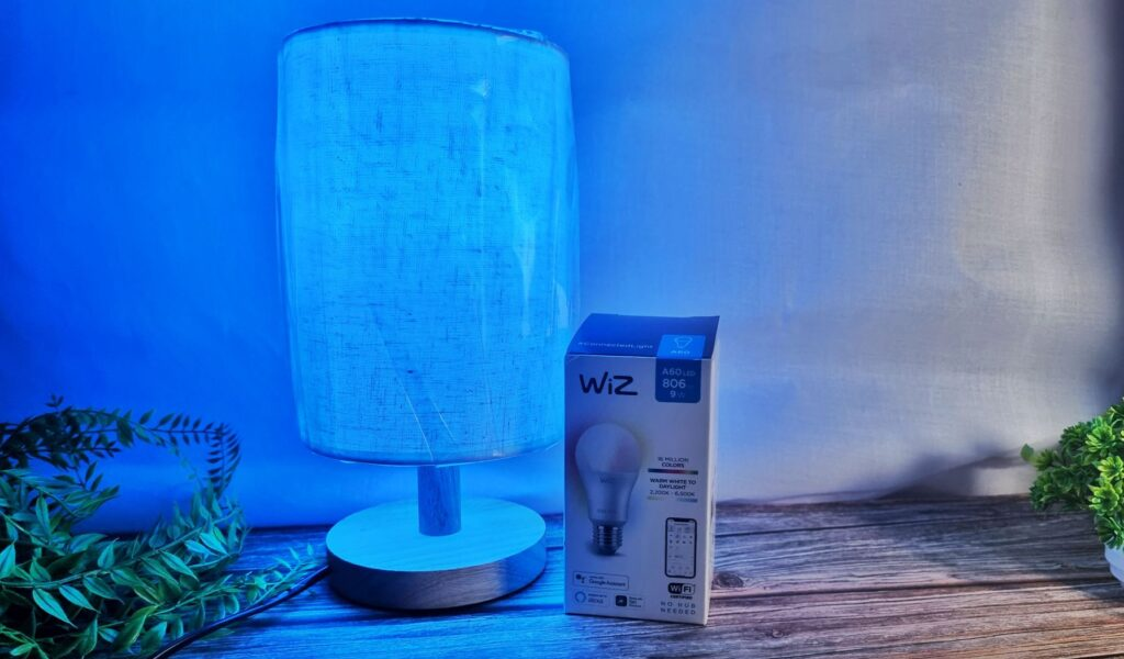 Philips WiZ LED A60 Review front