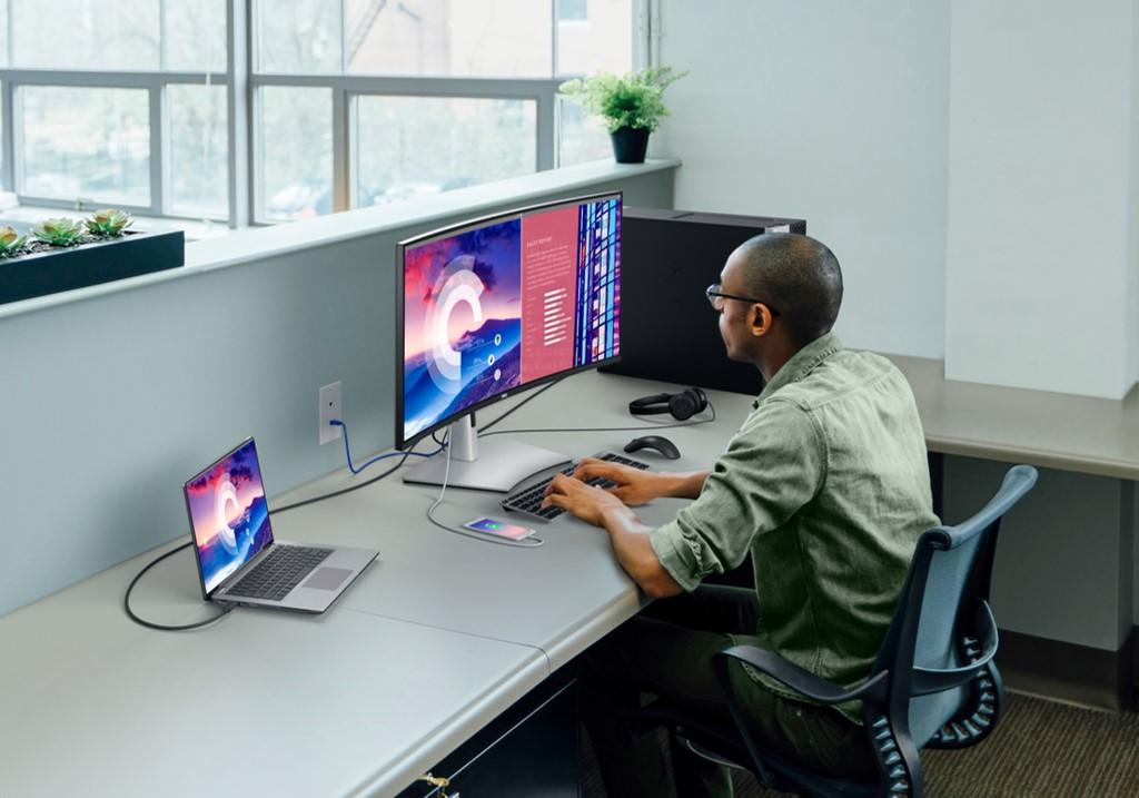 Dell UltraSharp U3821DW 38 USB-C Hub Monitor Review angled