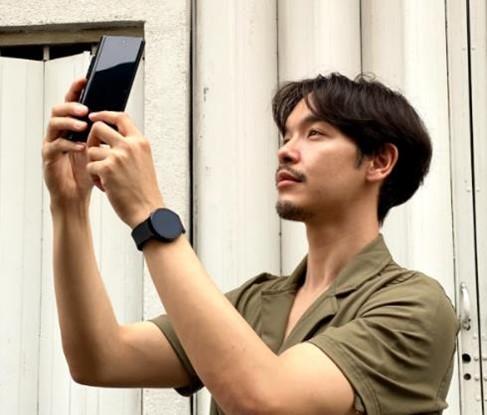 Samsung Galaxy of Possibilities (2) cameras