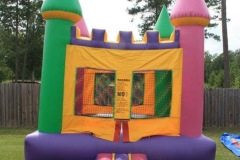 castle-bounce-house-in-steens-columbus-mississippi
