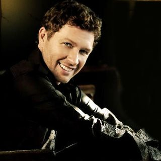 Craig Morgan smiling