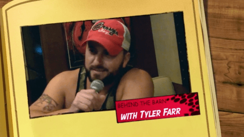 Tyler Farr does his best Jason Aldean impression