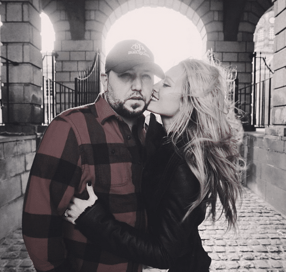 Read more about the article Confirmed! Jason Aldean marries Brittany Kerr in Mexico