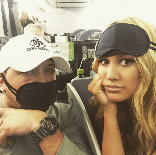Is Jason Aldean getting married this weekend in Mexico?