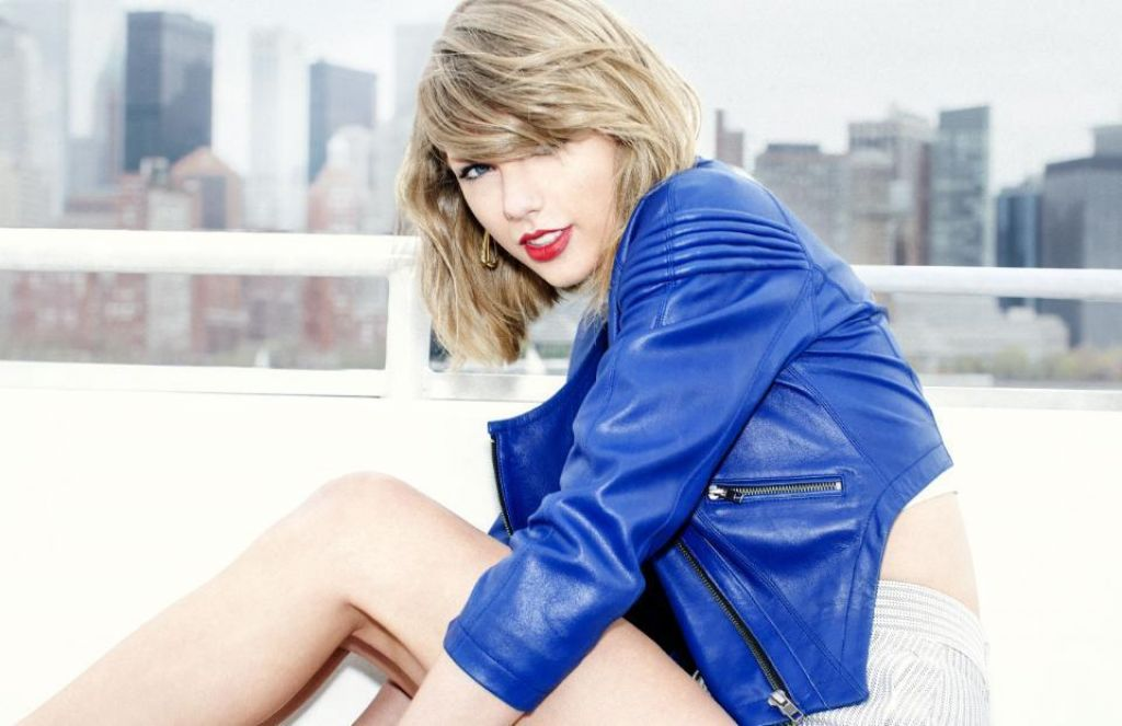 Taylor Swift Donates Total Of $50,000 To Young Girl, Naomi