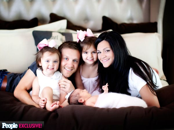 Read more about the article Who Is The Comedian in Justin Moore's Family?