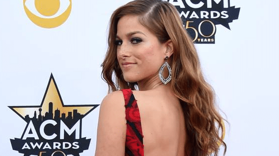 Is Cassadee Pope the new queen of the red carpet?