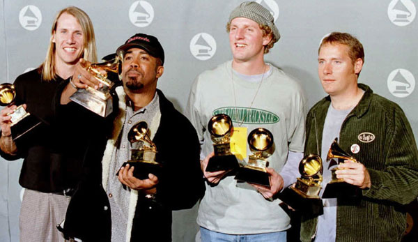 Read more about the article Darius Rucker WILL Reunite with Hootie & the Blowfish…