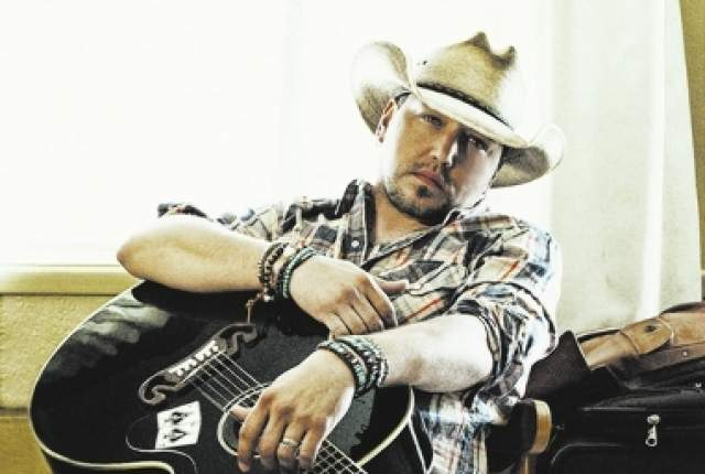 Check out video of Jason Aldean getting hit with a beer