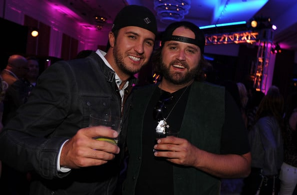 Randy Houser shows Luke Bryan some love…