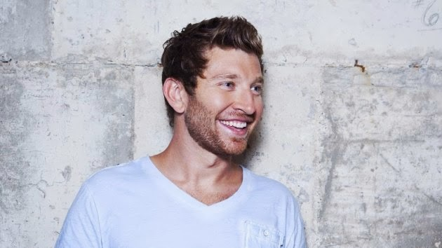 Brett Eldredge should win a wet tee shirt contest