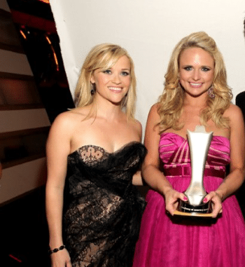 Read more about the article Miranda Lambert thinks Reese Witherspoon and Sofia Vergara are Somethin Bad