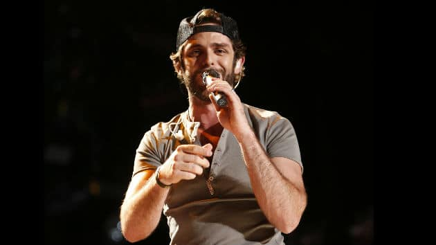 Doesn't Thomas Rhett look like Robin Thicke in his new promo pic for 'Crash and Burn'?