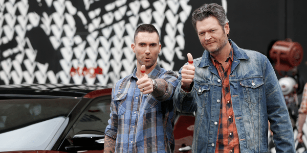 Blake Shelton wants you to give your mom a red thumb for Mother's Day