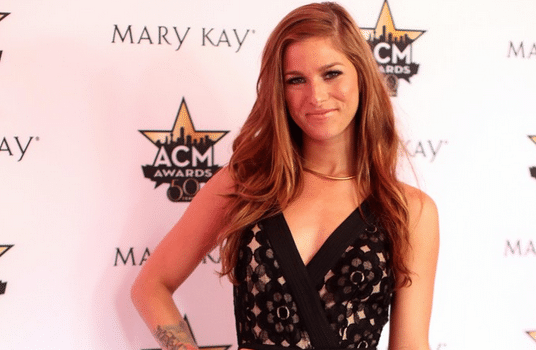 Read more about the article Why Cassadee Pope has us feeling good….