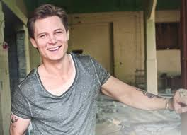 Did Frankie Ballard go too far with this totally NSFW photo?