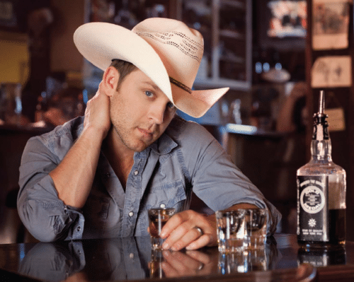 Who wants Justin Moore to play in their backyard?
