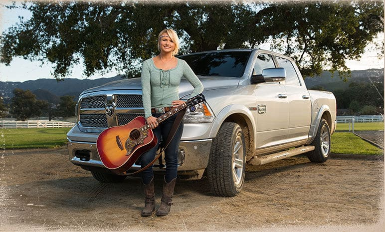 """Read more about the article Miranda Lambert releases new video for """"Roots and Wings"""""""