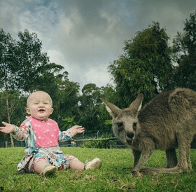 Kelly Clarkson's daughter made some wild new friends and it's just too cute for words