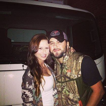 Tyler Farr is ENGAGED!