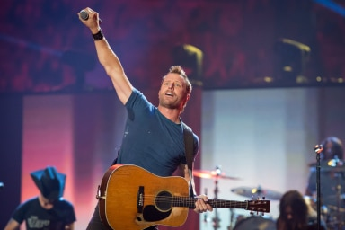 Read more about the article Dierks Bentley brings emotion to iHeart Music Festival!