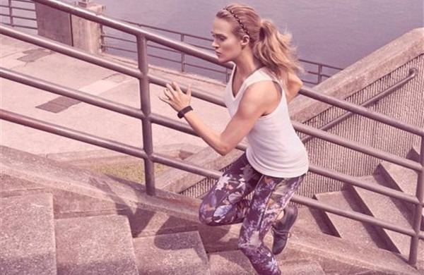 Carrie Underwood Encourages Fans to #StayThePath