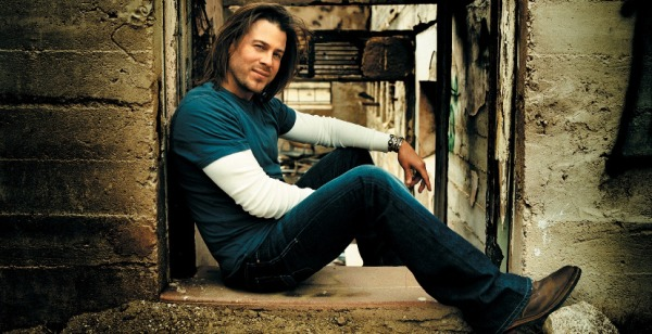 Read more about the article Christian Kane's #Kaniacs Steal St. Louis