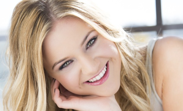Kelsea Ballerini Wants Fellow Artist to Love Her Like She Means It