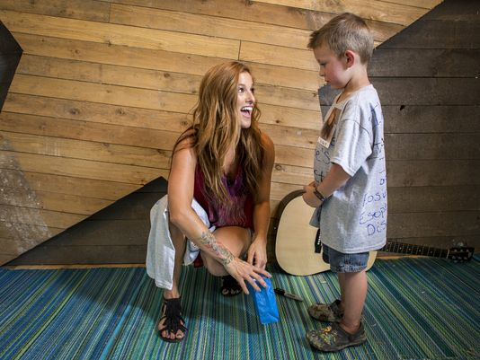 Read more about the article Cassadee Pope Brings Not-So-Secret Admirer on Stage